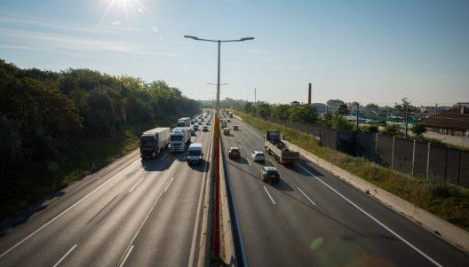 Wien Favoriten - Bodenversiegelung verstärkt Hitzeinseln, Verkehrslärm und Naturgefahren